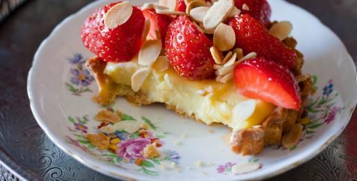 تارت میوه ای با سس لیمو