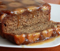 کیک موز با سس کارامل