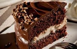 کیک شکلاتی با پنیر ماسکارپونه و فندق