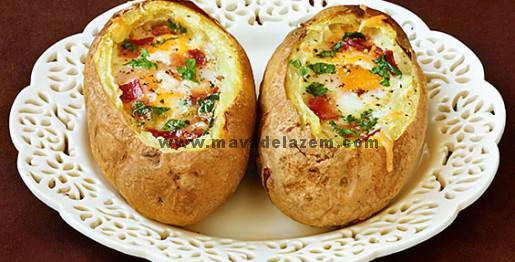 طرز تهیه تخم مرغ در کاسه سیب زمینی