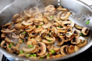 طرز تهیه استیک گوشت با سس قارچ